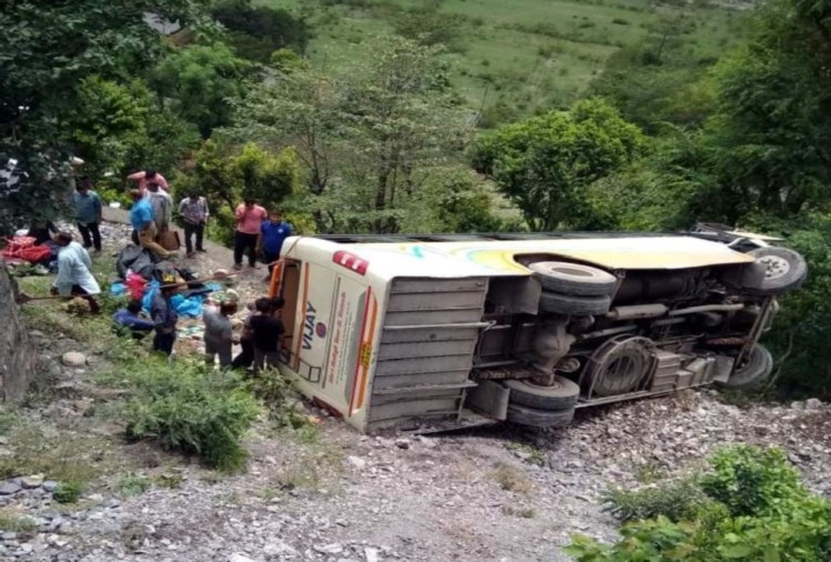Bus fall into ditch in kotdwar three passengers killed