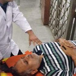 अनशन पर बैठे दिल्ली के स्वास्थ्य मंत्री सतेंद्र जैन की तबीयत बिगड़ी, अस्पताल में भर्ती