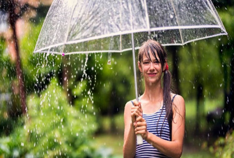 Get Wet In The Rains Without Falling Sick During Monsoons