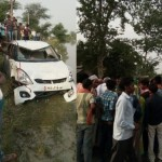 a car falls in a rivers in sultanpur four died.