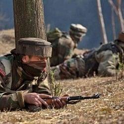जम्मू-कश्मीर: सेना ने 2 आतंकी किए ढेर, एक ने किया आत्मसमर्पण