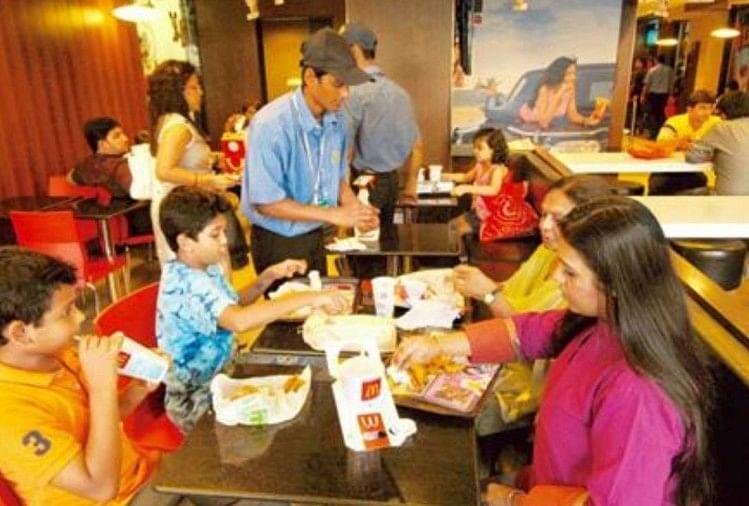 Mumbai: McDonald Burger King fined for plastic ban preach