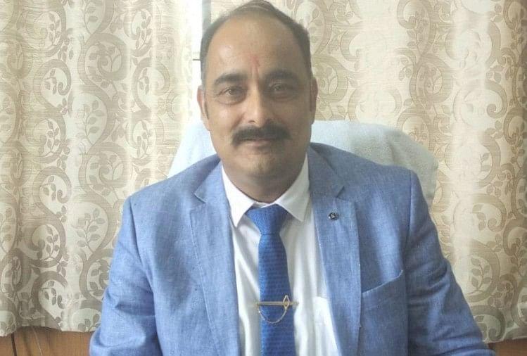 निजी स्कूल पीटीए बैठक बुलाकर आपसी सहमति से सुलझाएं फीस और फंड का मामला : उच्च शिक्षा निदेशक डॉ. अमरजीत