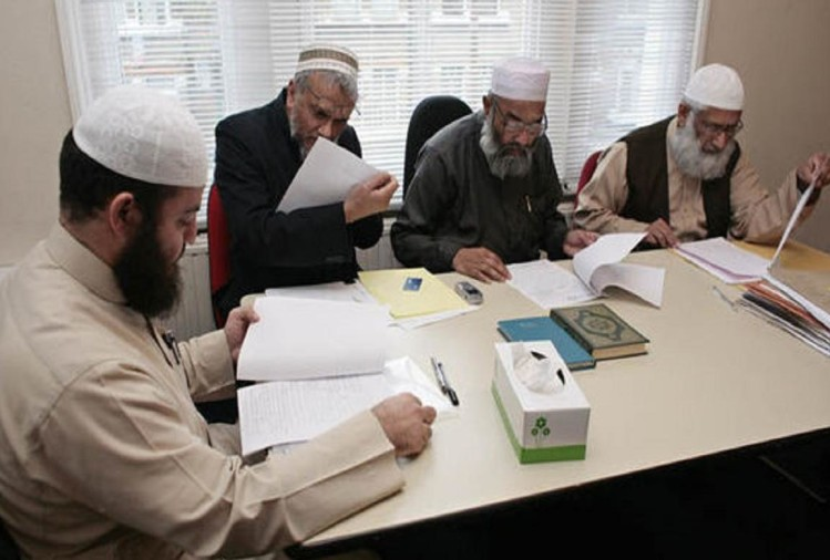 All india muslim personal law board plans to open Shariat courts in all districts of country