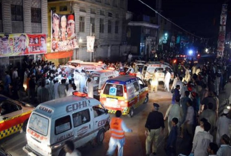 Suicide bomber attack in Peshawar, 12 candidates including ANP party candidate, death
