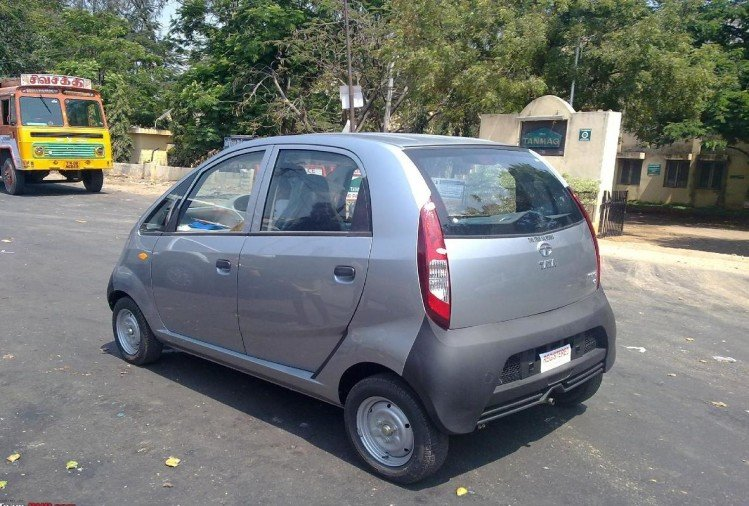 Tata Nano hit the fray in politics, went Gujarat from West Bengal