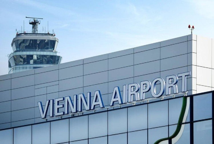 Woman traveler held at Vienna airport World War second bomb