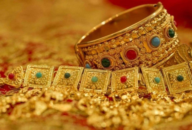 gold prices up by 150 rupees on strong demand, sensex nifty makes a new record on closing