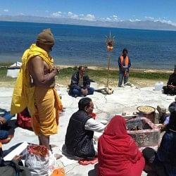 कैलाश मानसरोवर झील में स्नान नहीं कर पाएंगे श्रद्धालु, चीन ने लगाया प्रतिबंध