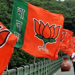 भाजपा की नई सूची में 39 उम्मीदवारों के नाम, मेनका-वरुण की सीटें अदल-बदल, मुरली मनोहर का टिकट कटा