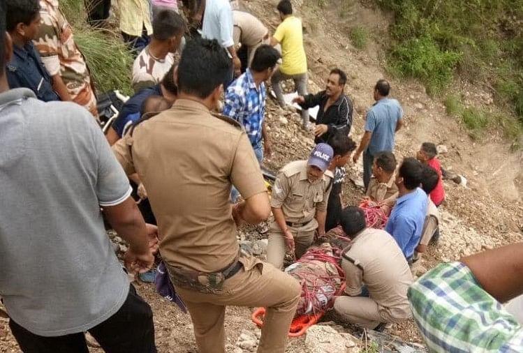 रोडवेज बस खाई में गिरी, 14 की मौत और 16 यात्री घायल