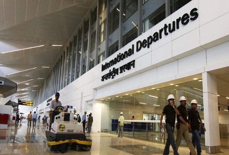 दिल्ली एयरपोर्ट पर नौकरी के नाम पर ठगी करने वाले मामा-भांजा गिरफ्तार, अखबारों में देते थे विज्ञापन