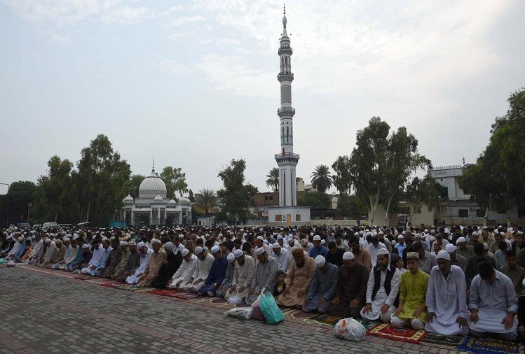 Pakistan muslims celebrate Eid al-Adha 2018