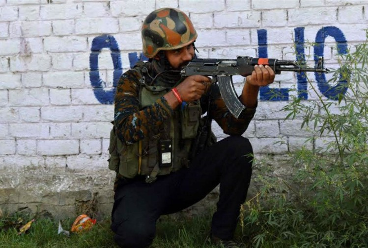 jammu kashmir anantnag security forces shot down two militants of hizbul mujahideen