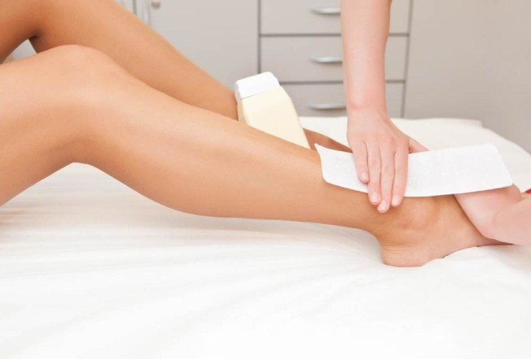 5 tricks to combat pain while waxing