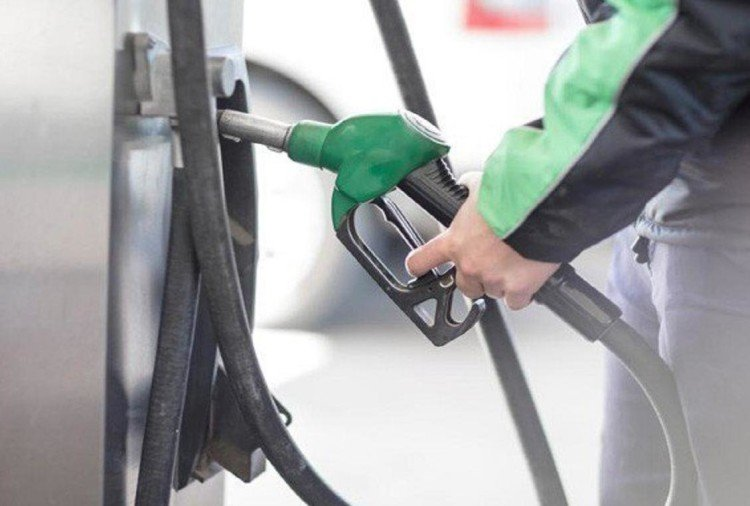 petrol prices in delhi near 80 rupees mark, since january prices increased by 10 rupees