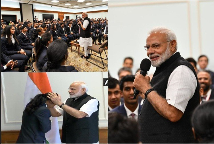 PHOTOS: PM Modi meets Asian Games medal winners, congratulates them for top performances