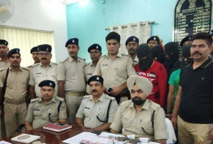 Man committing crime to see his daughter become an officer in Patna