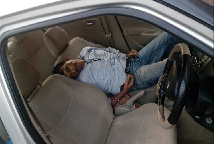One person dead body found in car in Indirapuram, Ghaziabad