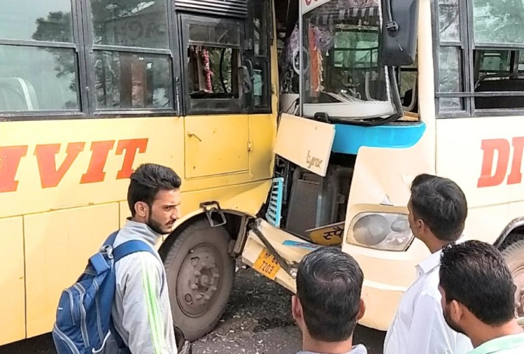 Private bus accident on kasauli road in solan himachal pradesh