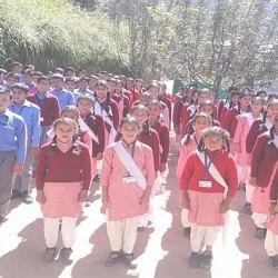 इस सरकारी हाई स्कूल के भवन का बच्चे दे रहे 12 साल से किराया
