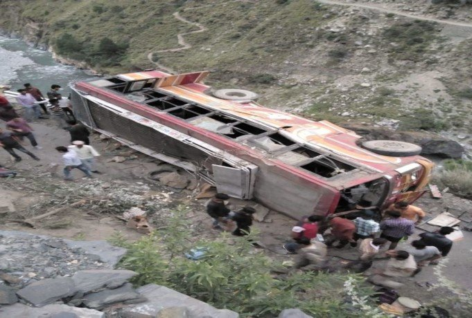 thirty five passenger injured in private bus accident at chamba himachal