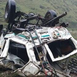 शिमला: जुब्बल के पास खाई में गिरी गाड़ी, 13 लोगों की मौत