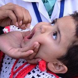 पाक में पोलियो वैक्सीन से रिएक्शन होने की अफवाह से बवाल, 25 हजार बच्चों को पहुंचाया अस्पताल