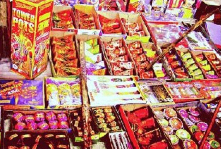 Due to burning firecrackers on Deepawali in Singapore four people of Indian origin filed a case