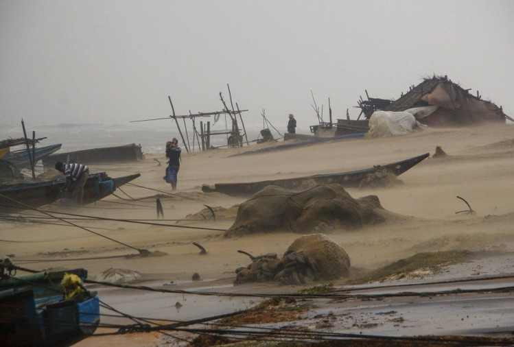 60 lakh people affected by cyclone titli in Odisha