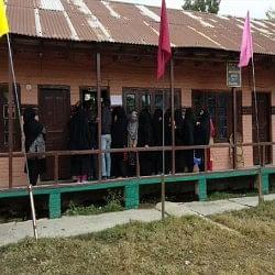 J&K निकाय चुनाव: आखिरी चरण का मतदान खत्म, 156 प्रत्याशियों की किस्मत ईवीएम में हुई कैद