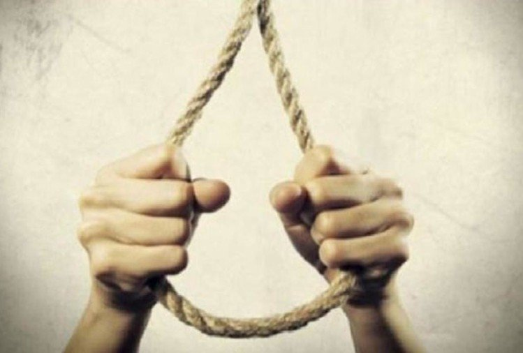 noida wife refuse to give money for alcohol on diwali night husband commits suicide