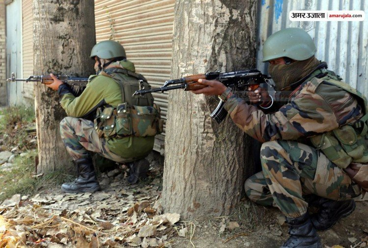 Encounter underway between terrorists and security forces in Ratnipora area of Pulwama Kashmir