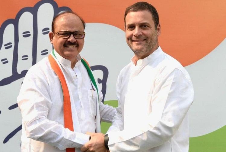 Image result for ऐसे खान नेकांग्रेस पार्टीसे की थी राजनीतिकज़िंदगीकी शुरुआत