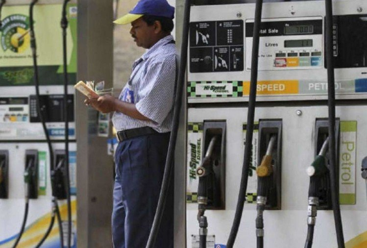 Delhi petrol price cross 70 rupees mark in this year for first time