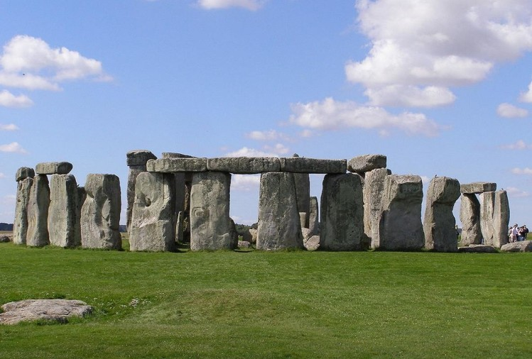 The mystery of Stonehenge attracts tourists around the world