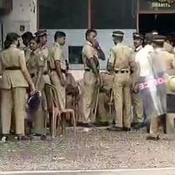 सबरीमाला विवाद : हिंदू महिला नेता की गिरफ्तारी के बाद और बढ़ा बवाल, केरल बंद