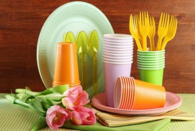 effective tips to remove stains from plastic utensils