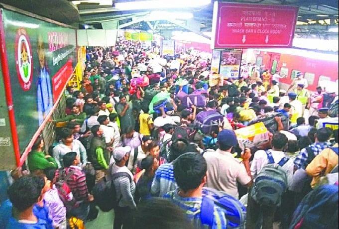 ट्रेनों में भीड़