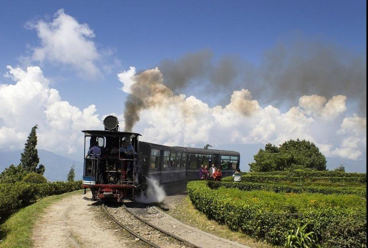 irctc offers 6 days darjeeling dhr heritage tour start in october 2019