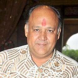 #MeToo: आलोक नाथ के खिलाफ दर्ज हुआ रेप का केस, डायरेक्टर विनता नंदा ने लगाया था आरोप