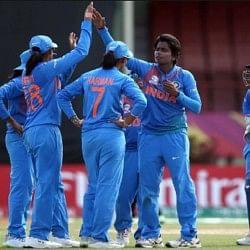 महिला वर्ल्ड टी-20: सेमीफाइनल में पहुंची टीम इंडिया, शाही अंदाज में पूरी हुई जीत की हैट्रिक