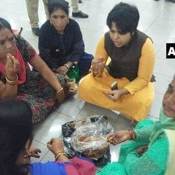 सबरीमाला विवाद : आज खुलेंगे मंदिर के द्वार, प्रदर्शनकारियों ने तृप्ति देसाई को एयरपोर्ट पर घेरा