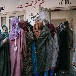 जम्मू-कश्मीर: दूसरे चरण में 329818 वोटर आज करेंगे मतदान, सुरक्षा के पुख्ता इंतजाम