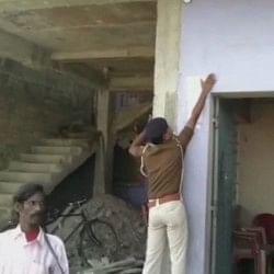 मुजफ्फरपुर शेल्टर होम केस: फरार पूर्व मंत्री मंजू वर्मा की संपत्ति कुर्क, अभी तक हैं फरार