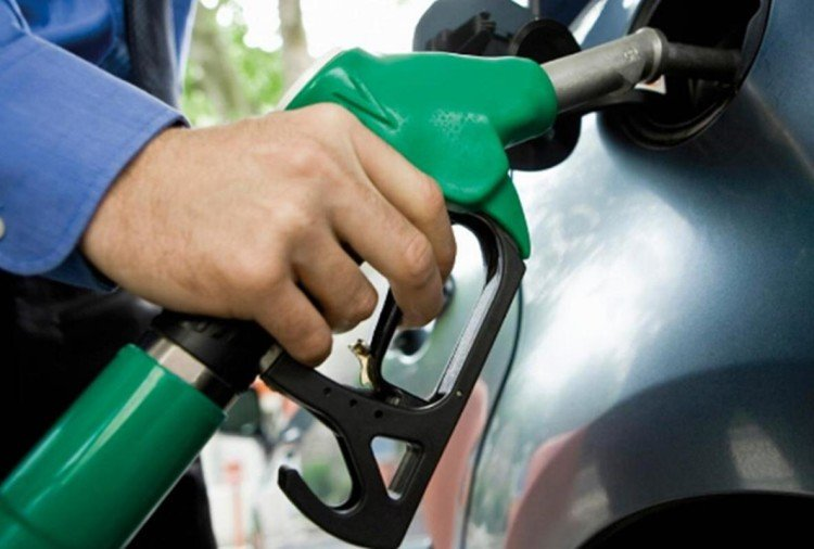 Petrol diesal price: for the first time in this year petrol prices rise by 21 paise