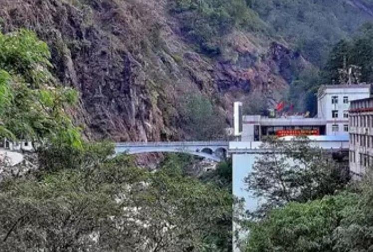 सीनो-नेपाल मैत्री पुल