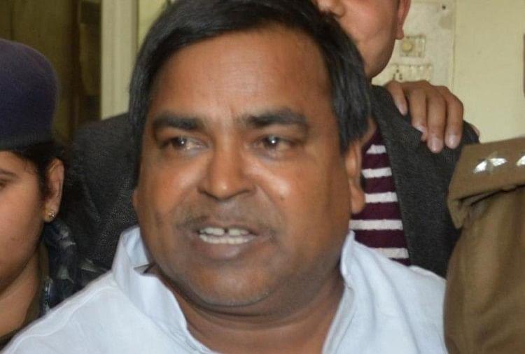 पूर्व मंत्री गायत्री के भतीजे ने की आत्महत्या, जीआरपी की छानबीन में हुआ खुलासा