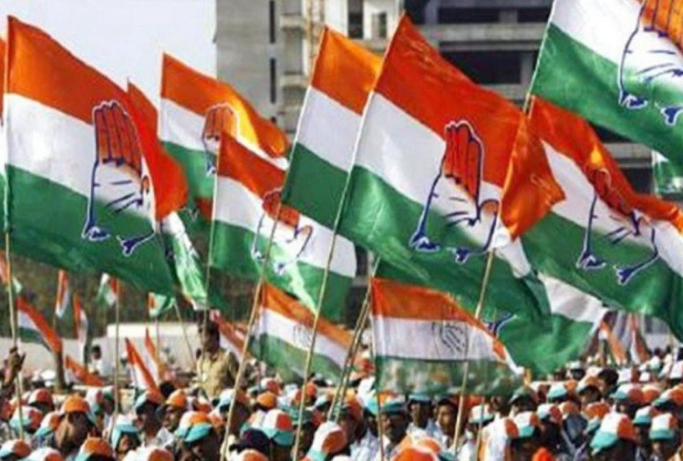 congress activists on win in three states election.