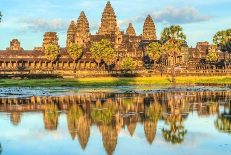world's biggest hindu temple is not situated in India here is the facts about Angkor wat temple